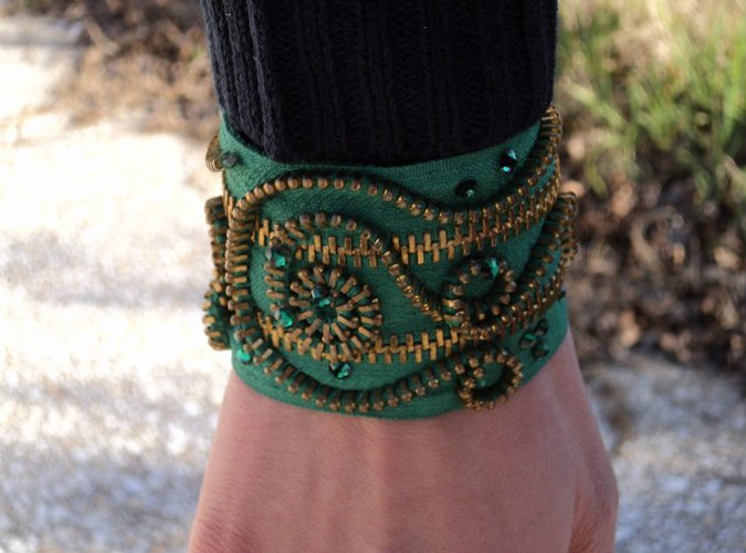 bangle-emerald-green
