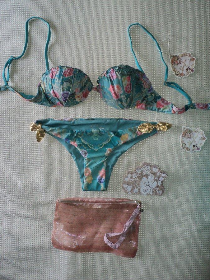 blue-glue-bikini