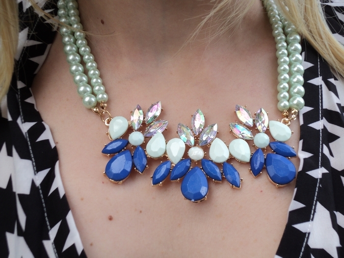 blue-statement-necklace-pearl