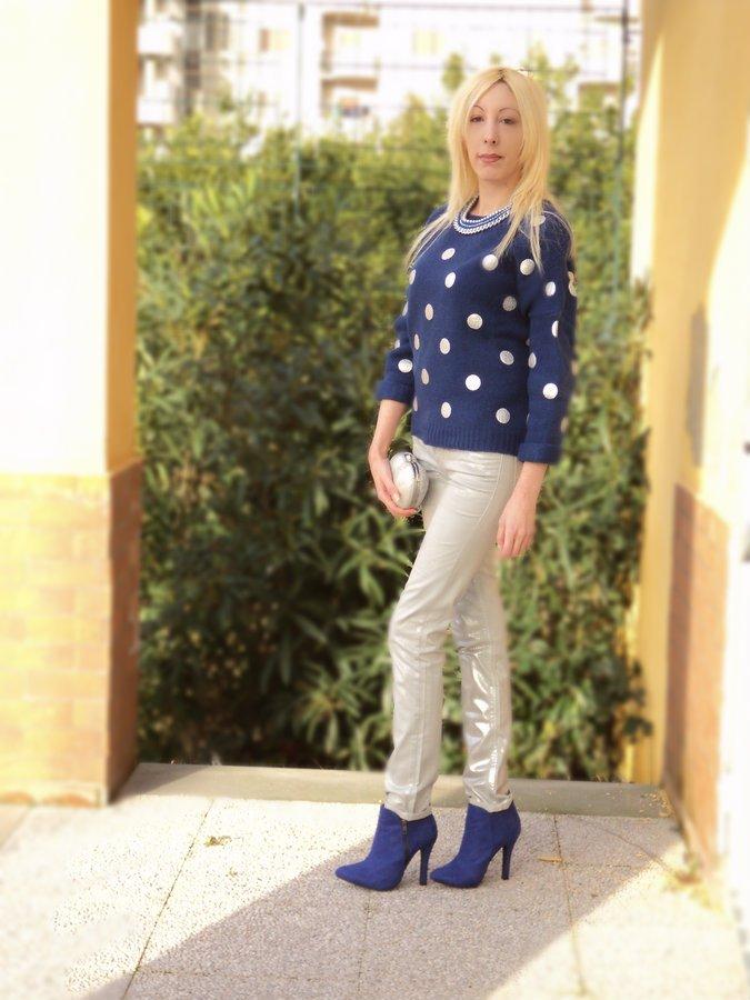 bright-cobalt-polka-dots-princesse-metropolitaine