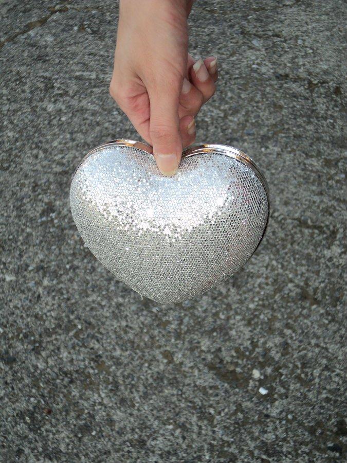 clutch-a-forma-di-cuore-argento