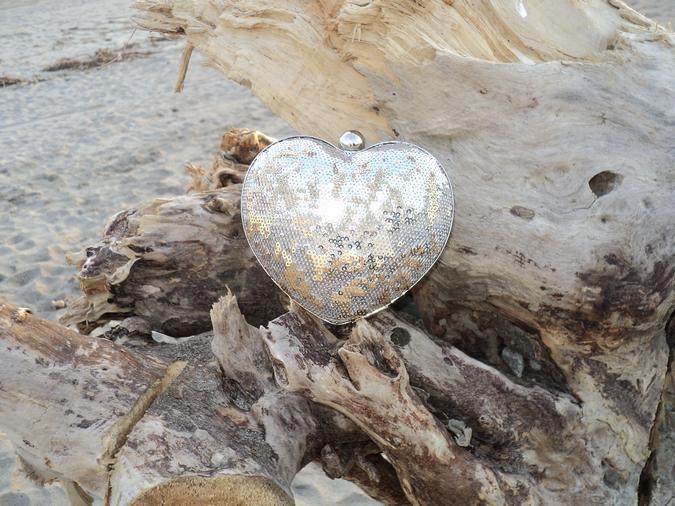 clutch-forma-cuore