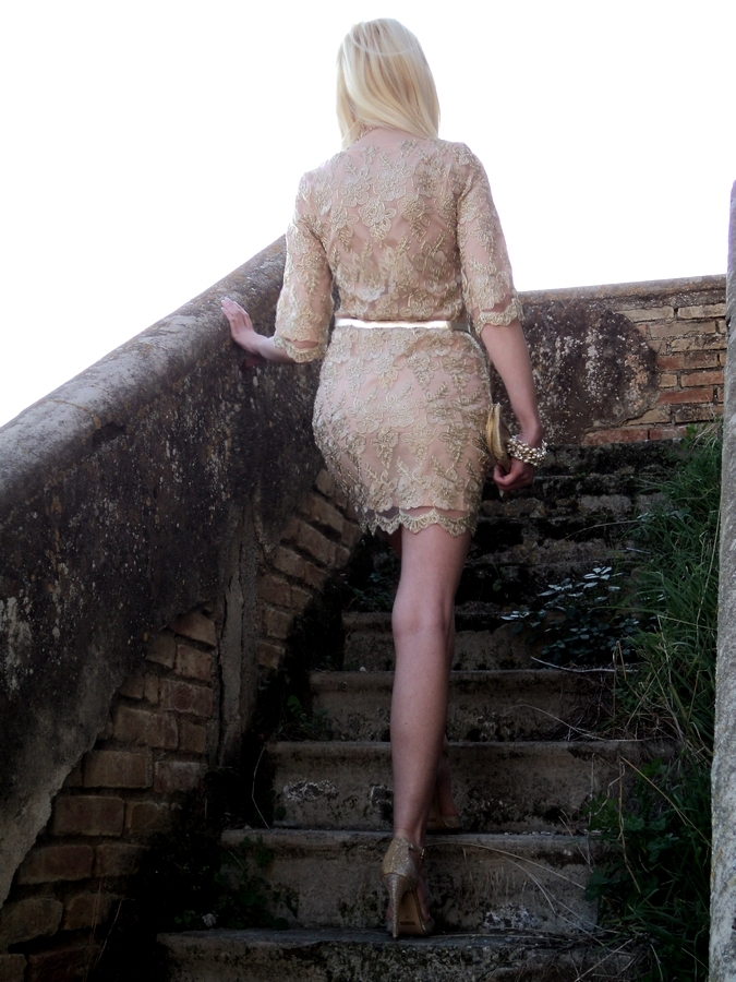 gold-dress-relaxfeel