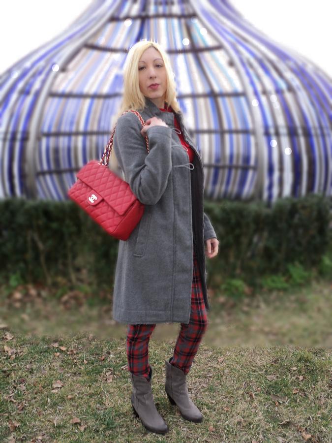 grey-tartan-red2