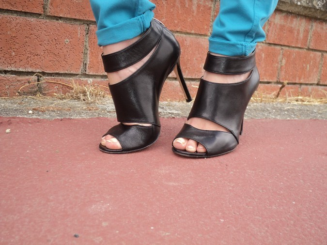 kammi-leather-sandals
