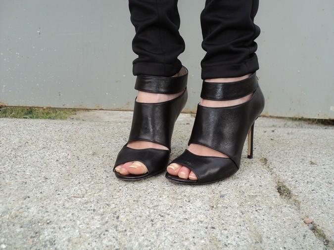 kammi-sandali-neri-pelle