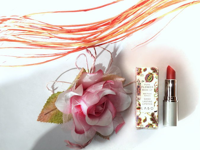 labo-shiny-lasting-lipstick