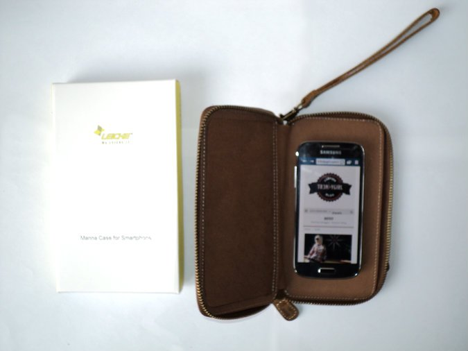 leicke-manna-custodio-nabuk-smartphone