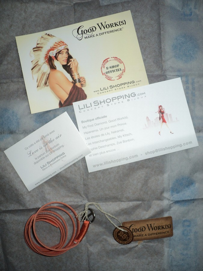 lili-shopping-bracelet