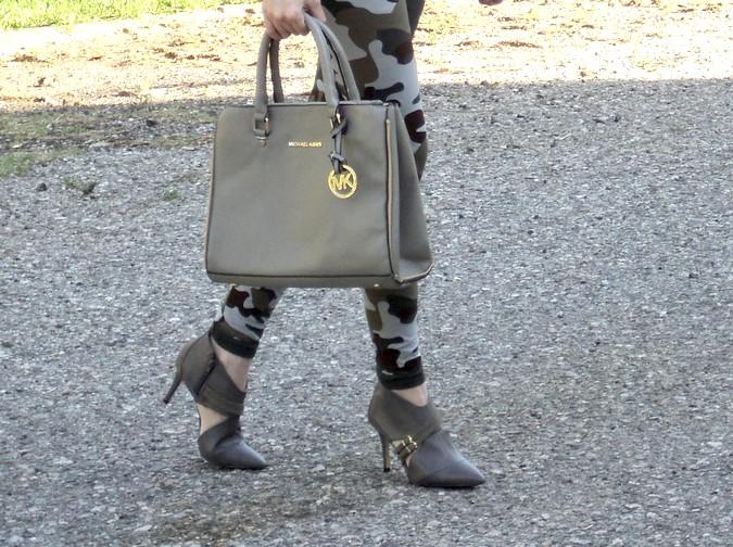 michaelkors-saffiano-handbag