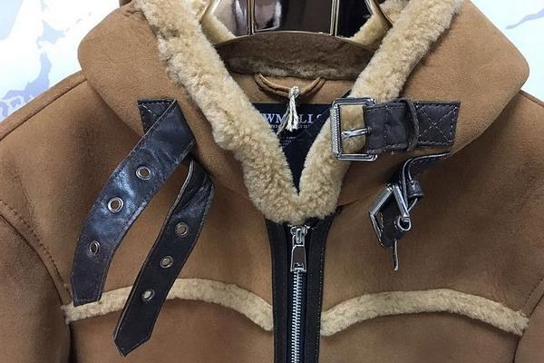 Moda uomo 2018-19  tutte le tendenze per uno stile impeccabile ... bb70df3ab49