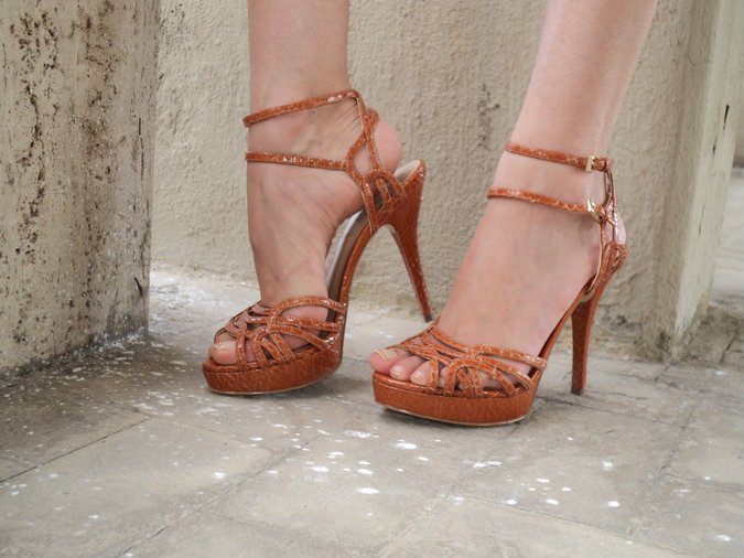 orange-sandals-piustyle-guess
