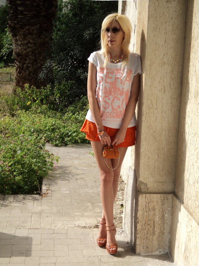 orange-tangerine-color-outfit