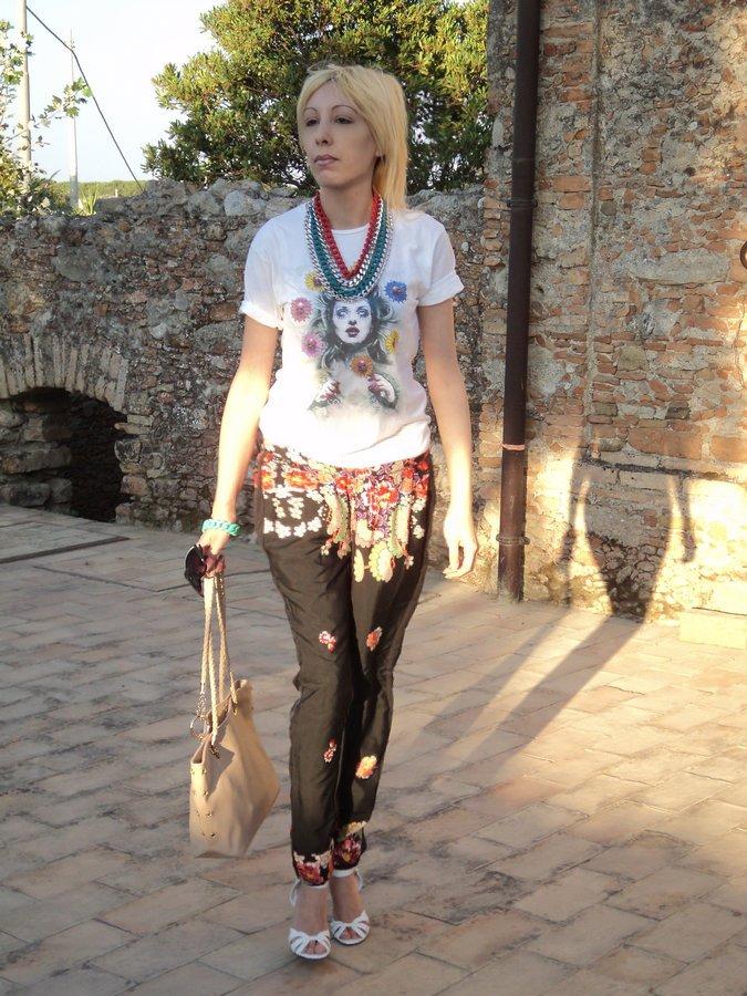 pantalone-fiori-vero-moda