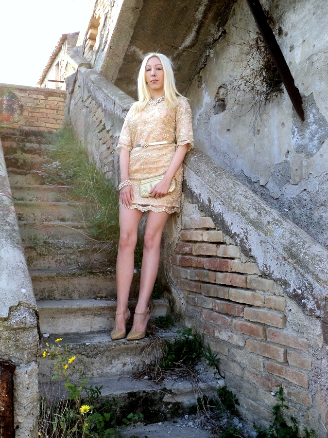 relaxfeel-gold-dress