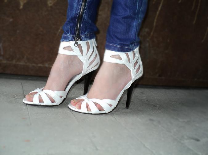 sandali-bianchi-vernice