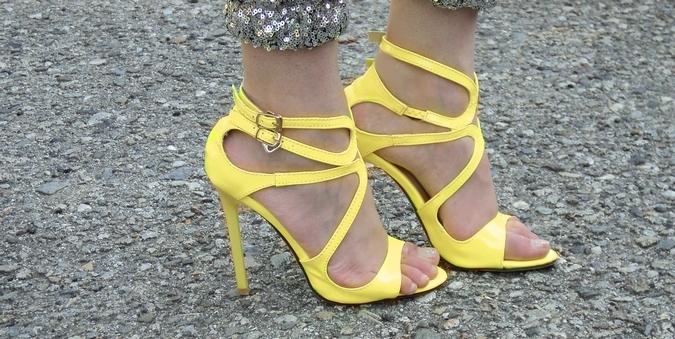 sandali-gialli