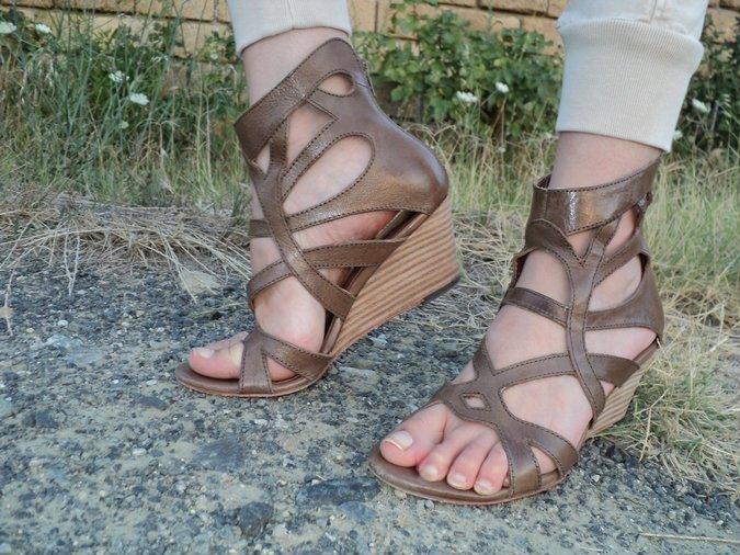 sandali-gladiatore-marroni