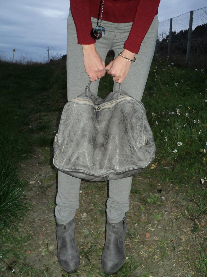 scarpe-grigio-borsa