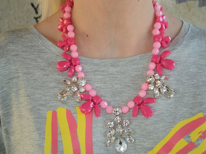 statement-fucsia-necklace