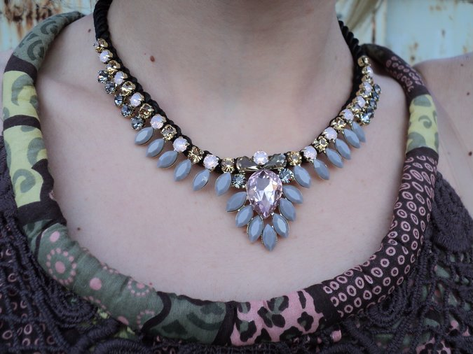 statement-necklace-by-simon