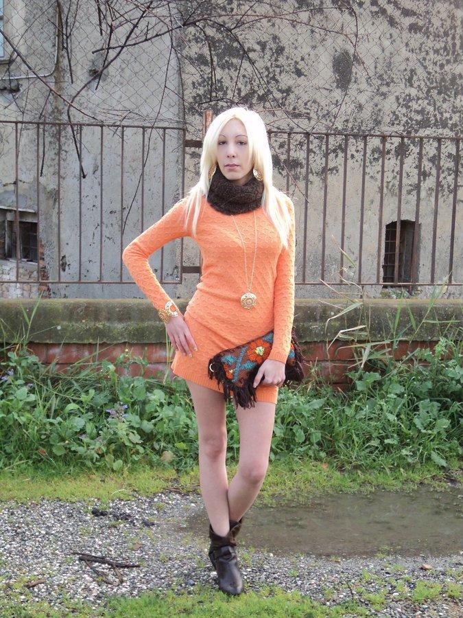 tanita-abito-arancio