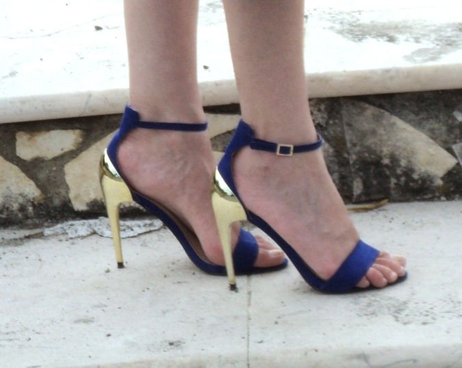zara-sandals-electric-blue